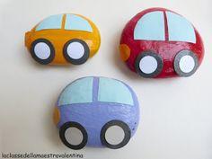 Dit zijn geen auto's maar stenen! Ga eerst buiten stenen zoeken (liefst in het bos), beschilder ze later met acrylverf! Super cadeauidee voor VADERDAG!