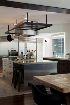 Chic modern kitchen