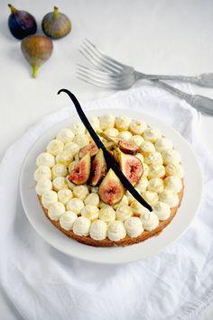 fig tart with vanilla honey mascarpone cream