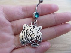Tiger belly ring.