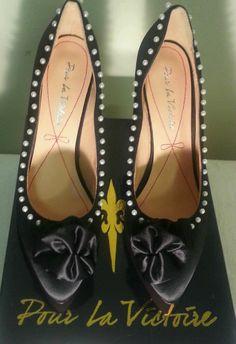 Pour La Victoire Pyra Womens Size 8 Black Textile Wedges Heels Shoe