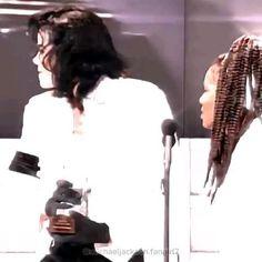 Michael Jackson Story, Best Joker Quotes, Black Kids Hairstyles, Michael Jackson Wallpaper, Music Things, Ereri, Film Aesthetic, Legends, Abs