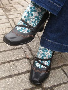 Neptune High Socks - I don't knit but just had to pin this for the Veronica Mars reference - love it! :)