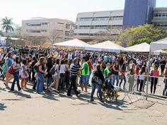 Unicamp reúne 50 mil e recebe alunos de nove estados no 'Portas Abertas'. Evento em Campinas é oportunidade para alunos conhecerem instituição. Universidade mobilizou 2 mil pessoas para receber público neste sábado. (Foto: Antoninho Perri / Ascom / Unicamp)
