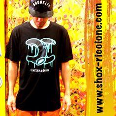 ***COMBO::SNAP bACK cayler Brooklin con patch anche bianca ;LONG T-SHIRT cayler+chino CARROT FIT squad2!!! venite a trovarci allo SHOX urban clothing di viale dante 251 Riccione APERTI tutti i giorni anche la DOMENICA POMERIGGIO !per info e vendita contattateci su FB: @ SHOX URBAN CLOTHING ,spedizione €5-->free for order over €50!!! #cayler #Squad  #2015 #SHOX #snapback #comevuoitu #sartoriainterna #fashion #spring #fresh #streetwear #life #esclusivo #nuoviarrivi  #swag  #solodanoi  #unici…