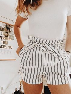This is how you always look stylish - Clothes / Outfits - . - This is how you always look stylish – Clothes / Outfits – - Mode Outfits, Short Outfits, Trendy Outfits, Outfits With White Shorts, Female Outfits, Fashionable Outfits, Look Fashion, Teen Fashion, High Fashion