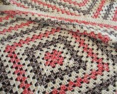 eclectic me: Giant Granny Square Blanket....