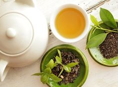 How to select and brew best cup of this powerful weight loss tea (green tea) for more efficient fat loss and progress toward a flat stomach with each sip. Green Tea For Weight Loss, Weight Loss Tea, Weight Gain, Detox Cleanse For Weight Loss, Weight Loss Smoothies, Melt Belly Fat, Lose Belly, Flat Belly, Matcha