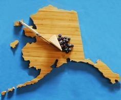 Hey, I found this really awesome Etsy listing at https://www.etsy.com/listing/97844797/aheirlooms-alaska-state-shaped-cutting