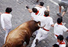 'running of the bulls', pamplona, spain
