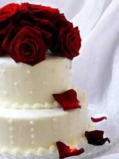 https://flic.kr/p/9aYZMd | Wedding Cake | 2nd wedding cake of the week.  Vanilla Lovers topped with fresh red roses.  www.sugardazecupcakes.com