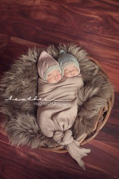 Newborn Twins | Heather Wagner Photography