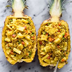 HEALTHY Pineapple Fried Rice recipe - a delicious meal ready in 30 minutes! - recipes from healthy nibbles. Vegetarian Recipes, Cooking Recipes, Healthy Recipes, Pescatarian Recipes, Rice Recipes, Healthy Food, Good Food, Yummy Food, Delicious Meals