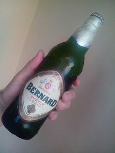 Bernard tradiční světlý ležák, 4,7%. Voda, ječný slad ze sladovny Bernard, žatecký upravený chmel, chmelový extrakt.