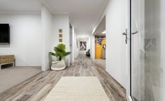 Spacious and airy entrance
