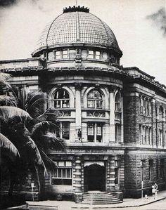 Hackfield Building, corner Nimitz Hwg and Bishop Street, demolished, date unknown, Honolulu, Hawaii, Photo sources unknown