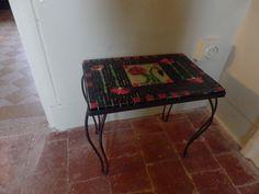 tafeltje met klaprozen combi van glasfusie en glasmozaiek