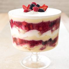 America's Test Kitchen's epic Fourth of July dessert — a summer berry trifle – East Bay Times Köstliche Desserts, Delicious Desserts, Dessert Recipes, Dessert Food, Summer Desserts, Sweet Desserts, Yummy Recipes, Parfait Recipes, Pudding Desserts