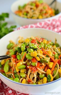 Healthy Weeknight Dinners, Healthy Dinner Recipes, Easy Dinners, Vegetarian Meals For Kids, Vegetarian Recipes, Vegan Vegetarian, Edamame Noodles, Slimming Eats, Slimming World Salads