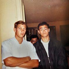 Desde los mafiosos del barrio chino hasta los peleadores callejeros de Oakland, Bruce Lee vivió la innovadora cultura de las artes marciales en la Bahía de San Francisco durante la década de los 60.
