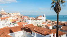 Vue sur l'Atlantique depuis le mirador Santa Luzia à Lisbonne.