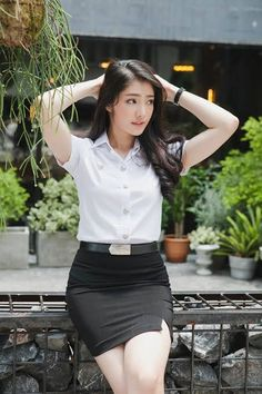 Best 12 Pros and Cons of Wearing Short Skirts and Dress – Home of Love and Relationship Ideas Beautiful Asian Women, Beautiful Celebrities, Cute Asian Girls, Cute Girls, Japanese Girl, Short Skirts, Asian Woman, Asian Beauty, Dress Skirt