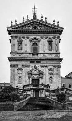 Peaking over the balcony, Chiesa dei Santi Domenico e Sisto. Largo Angelicum, Rome, Italy.