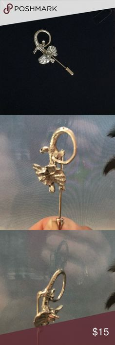 Vintage Frilled Dragon Stick Pin I believe this is Pewter since it is not marked. Cool, detailed Frilled Dragon Lizard. Part of my collection when I worked in a science department at a high school for gifted kids. Jewelry Brooches