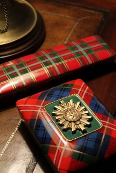 """Okay, so tartan is Scottish, not English - but until I can find a word like """"Anglophile"""" that applies to all the British Isles, this is the best I can do. In the meantime, I want to say that these tartan-patterned boxes look very classy. Tartan Plaid, Tartan Decor, Scottish Plaid, Scottish Tartans, Tweed, Style Anglais, Tartan Christmas, Christmas Colors, Christmas Presents"""