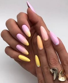 Instead of wasting precious time trying to choose one color, the gradient manicure is the prettiest way to wear them all. More ideas on how to wear this easy nail art trend, below. Ombre Nail Designs, Best Nail Art Designs, Summer Acrylic Nails, Best Acrylic Nails, Best Nails, Summer Nails, Simple Toe Nails, Nailart, American Nails