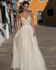 Elegant long wedding dress for the demanding women.Every bride-to-be deserves to. - Elegant long wedding dress for the demanding women.Every bride-to-be deserves to… – - Spaghetti Strap Wedding Dress, Wedding Dresses With Straps, Wedding Dresses 2018, Cheap Wedding Dress, Bridal Dresses, Prom Dresses, Wedding Dress Bohemian, Dresses For Wedding Guests, Tule Wedding Dress