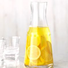 The 23 Best Flavored Water Recipes of All Time Lemon, Ginger and Turmeric Infused Water Best Flavored Water, Cucumber Infused Water, Flavored Water Recipes, Drink Recipes, Juice Recipes, Tea Recipes, Smoothie Recipes, Salad Recipes, Cooking Recipes