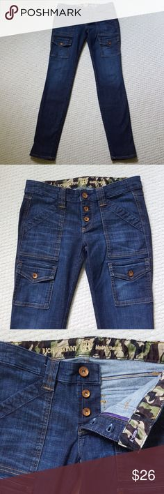 "Rich & Skinny size 26 denim blue jeans pants Pre-owned Made in U.S.A skinny pants. Excellent condition.   Waist laid flat 15"" Rise 7"" Inseam 29.5"" Rich & Skinny Jeans Skinny"