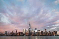 Image de City Gratte-ciel. un gratte-cielou tour est un bâtiment de très grande hauteur. Il n\\\'existe pas de définition officielle ni de hauteur minimale à partir de laquelle on pourrait qualifier un immeuble de gratte-ciel, la notion de gratte-ciel étant essentiellement relative: ce qui est perçu comme gratte-ciel peut varier ...