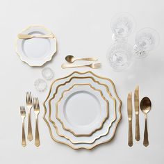 Table setting from Casa de Perrin rentals, casadeperrin.com.