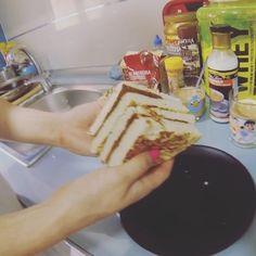 """Receta de #tortitas de #proteina y avena """"esponjosotas"""" que subi foto.Nivel #lowcarb """"medio"""". Primero pongo 100gr de clara de huevo + 30 gr de proteína en polvo + 30 gr de queso fresco batido (es lo que le da esa textura """"tierna"""" tan distinta a la que tienen las tortitas de avena q son más """"tiesas"""" + 20gr de harina de avena (13,2 gr de HC)( hay veces que pongo incluso solo 10gr"""