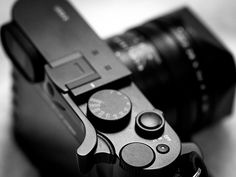 Match Technical Thumbs Up EP-SQ grip for Leica Q 2