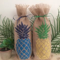Two new color options for pineapple on our wine gift bags!