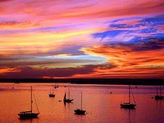 Beautiful sunset in La Paz, Baja California Sur, Mexico. Picture from https://www.facebook.com/purelapaz