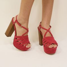 Color en tu vida y tus zapatos. Cómpralos ahora en www.bakershoes.es