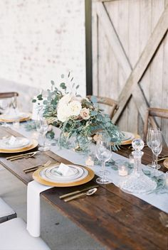 Rustic-organic tablescape: http://www.stylemepretty.com/little-black-book-blog/2016/01/15/rustic-orangic-farm-wedding-inspiration/ | Photography: Julie Paisley - http://juliepaisley.com/