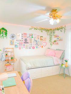 Cute Bedroom Decor, Room Design Bedroom, Room Ideas Bedroom, Bedroom Inspo, Pastel Room Decor, Pastel Bedroom, Indie Room, Minimalist Room, Pretty Room