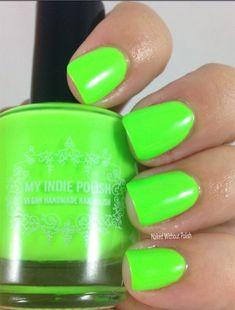 Neon green nail polish vegan cruelty free handmade Mini 5 ml Green Toe Nails, Lime Nails, Lime Green Nails, Color For Nails, Green Nail Polish, Nail Polish Colors, Sns Nails, Neon Nails, Acrylic Nails