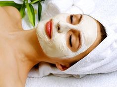 5 DIY Facial Masks From Ingredients Already in Your Pantry Your face is the first thing people notice about you. Your eyes, your lips, your smile, your skin. Admittedly, I am very bad at moisturizi. Homemade Face Pack, Homemade Facial Mask, Homemade Masks, Homemade Facials, Acne Face Mask, Best Face Mask, Potato Face Mask, Mask For Dry Skin, Skin Mask