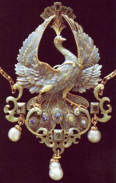 Phillipe Wolfers pendant. Art Nouveau Plique a Jour Via Jewelry Nerd https://www.facebook.com/JewelryNerd