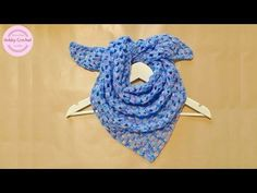 Bufanda triangular a crochet fácil, paso a paso - YouTube Crochet Shawl, Diy Crochet, Bolero, Knitting Videos, Triangle Shape, Baby Knitting, Crochet Necklace, Scarves, Google