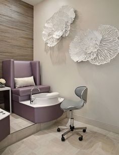 Salons of the Year Champagne Nail Lounge – Awards & Contests – Salon Today - Decoration For Home Home Nail Salon, Hair Salon Interior, Nail Salon Design, Nail Salon Decor, Salon Interior Design, Privates Nagelstudio, Schönheitssalon Design, Champagne Nails, Pedicure Station
