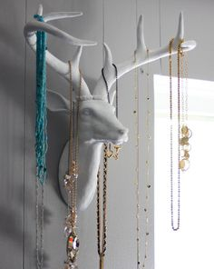 DIY antlers jewelry holder - goodcleanfuneating.blogspot.com