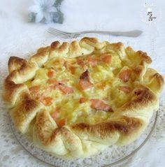 Torta rustica con patate e salmone,facile veloce e molto gustosa