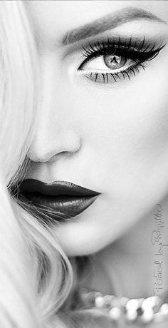 Regilla ⚜ Una Fiorentina in California Female portrait close up blonde with lipstick black and white